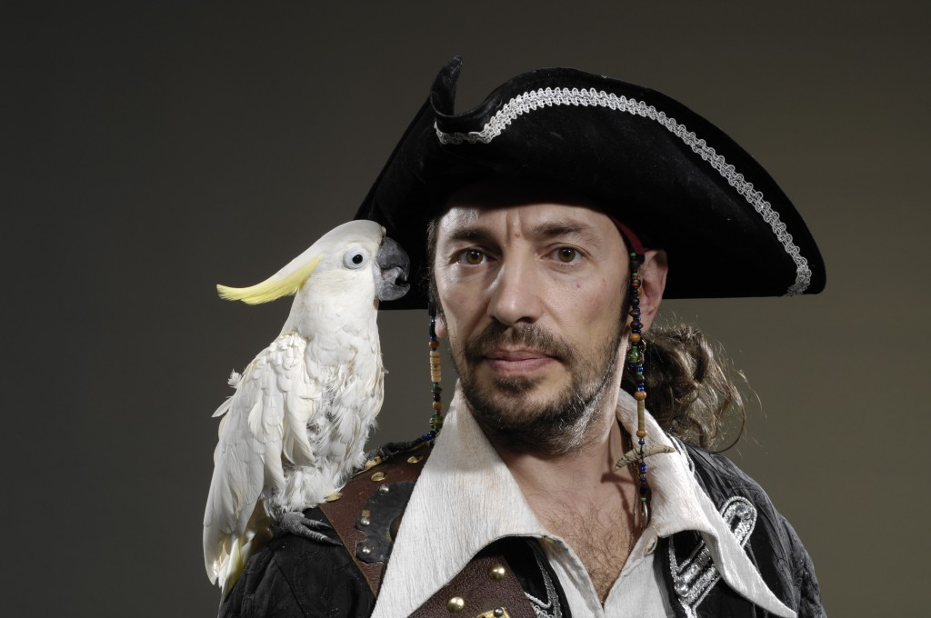 Eduard mit Papagei